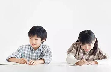 孩子不爱学习?很多家长是这么做的